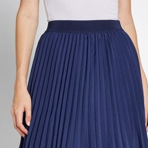 Modcloth Navy Blue Pleated Skirt Size 8